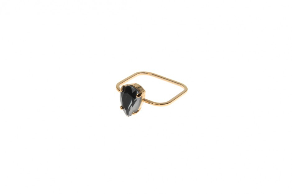 Superfine ring with princess drop