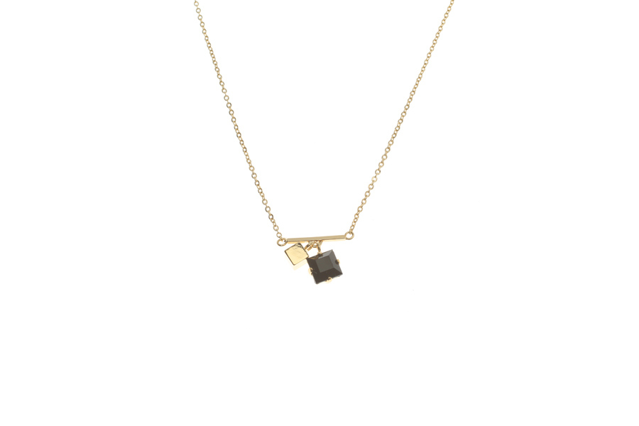 Fine necklace with fluttering cube and crystal