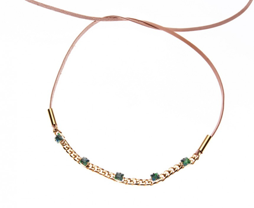COLLIER WITH CURB CHAIN