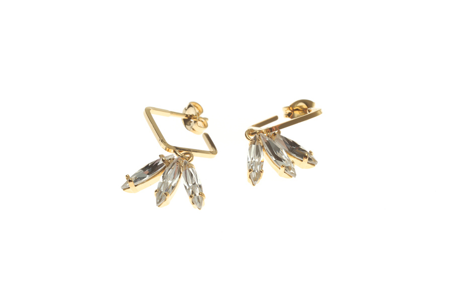 Creole earrings with fluttering feathers