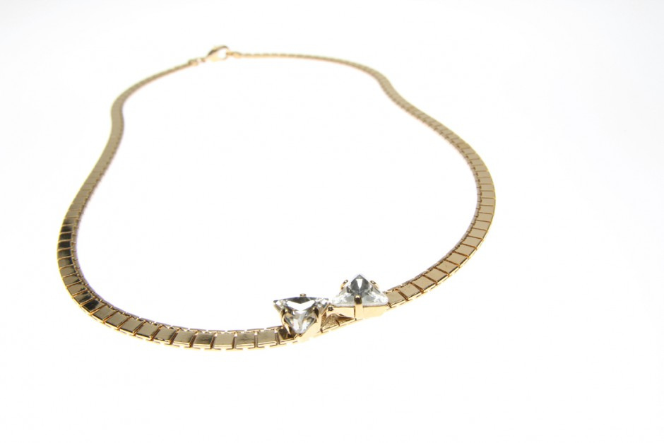 NECKLACE WITH BOW