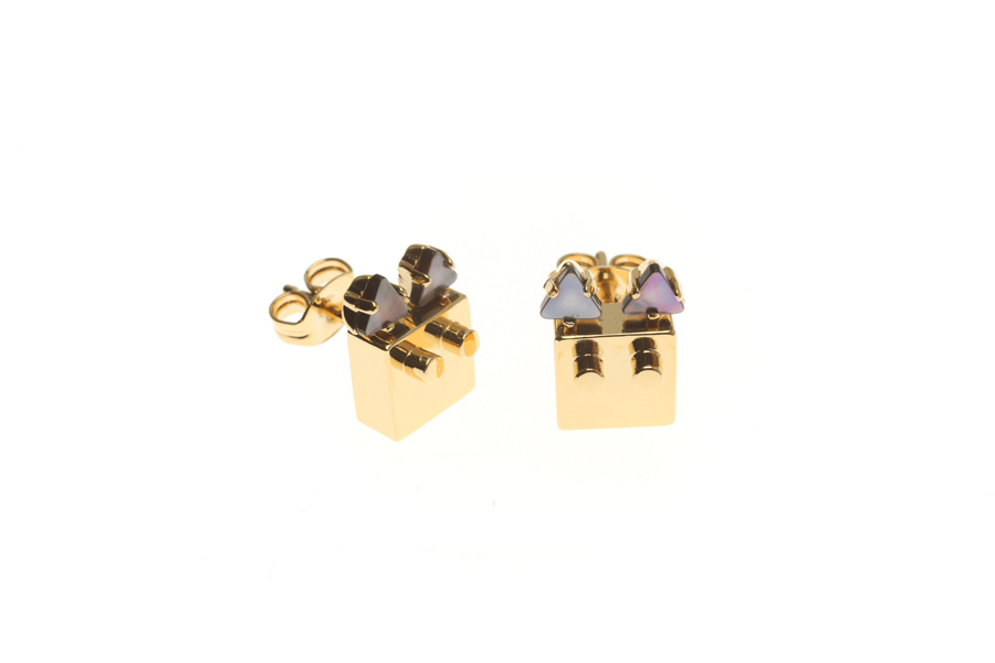 Pin earrings with cat M