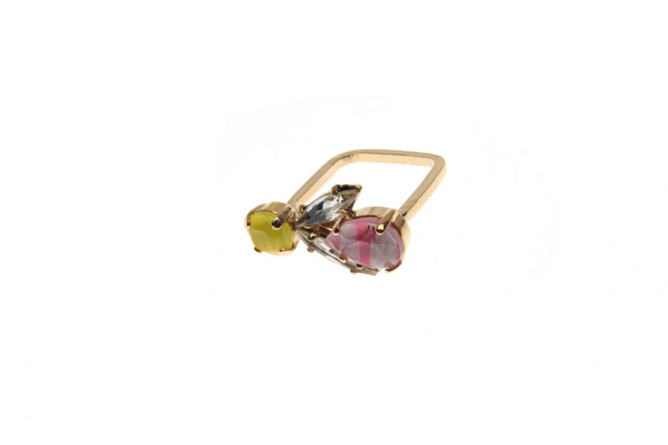 Xsuperfine ring with bee