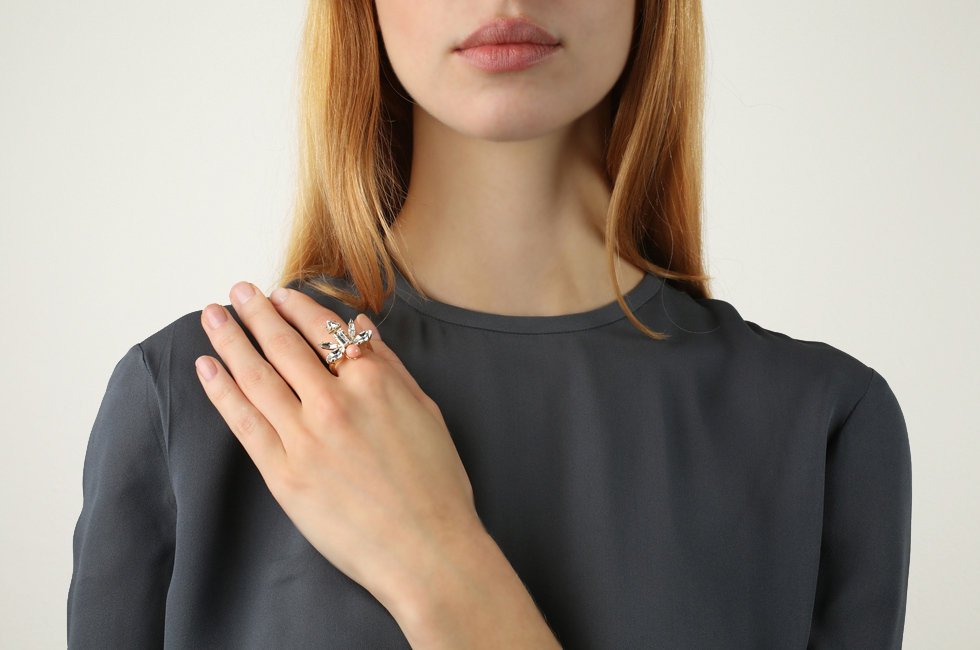 Fine Ring With Winged Dart And Pearl