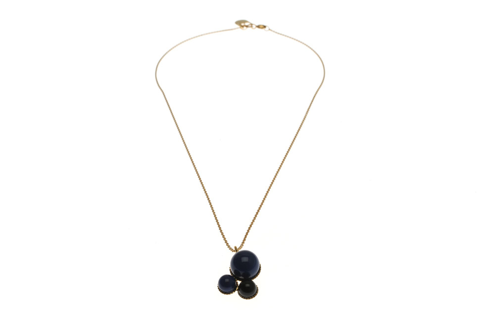 Necklace With Pearl Trio