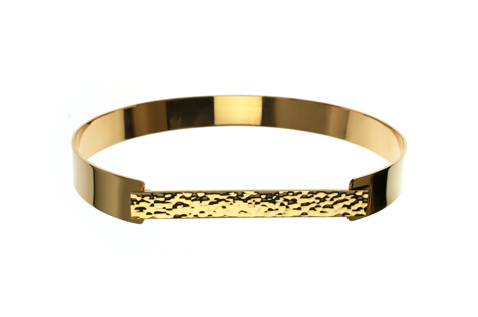 Choker with hammered plate