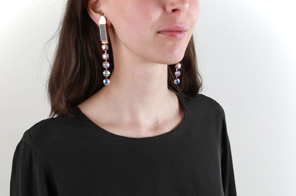 CLIP EARRINGS MOON RAIN