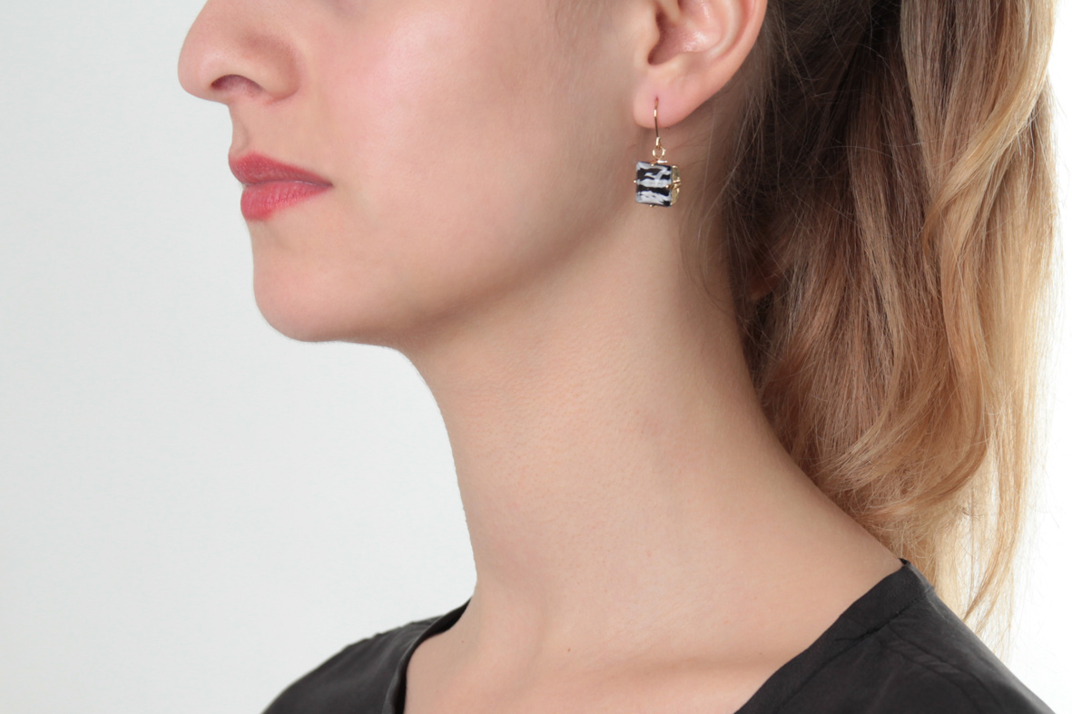 Earrings with wild square