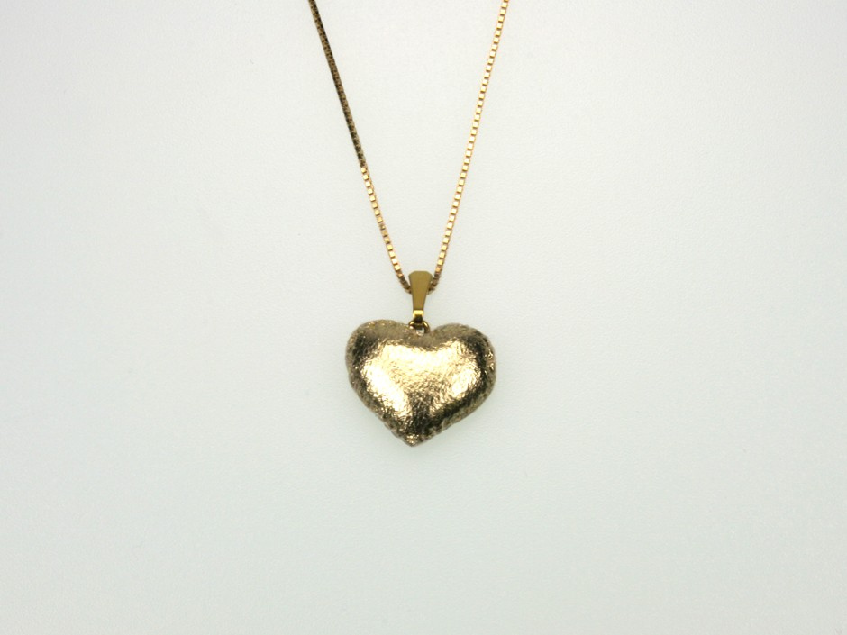 GOLDEN LOVE HEART S