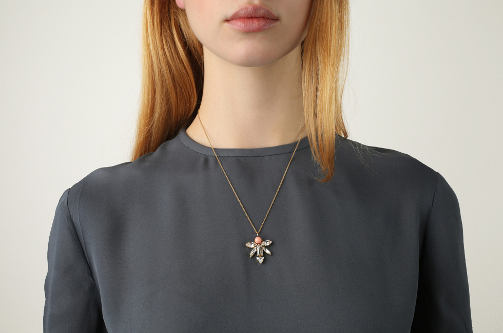 Fine Necklace With Winged Dart And Pearl