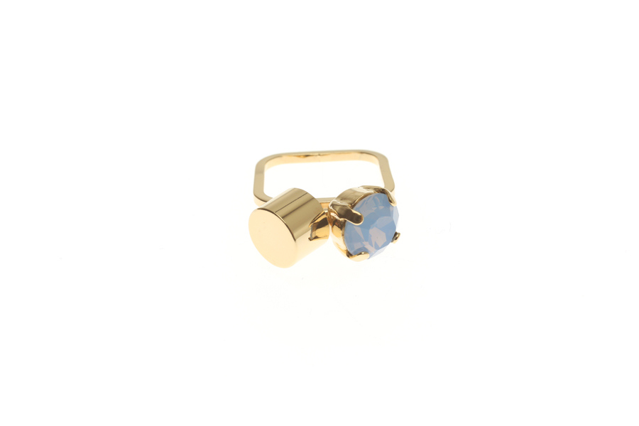 Superfine ring with fluttering tube & crystal M