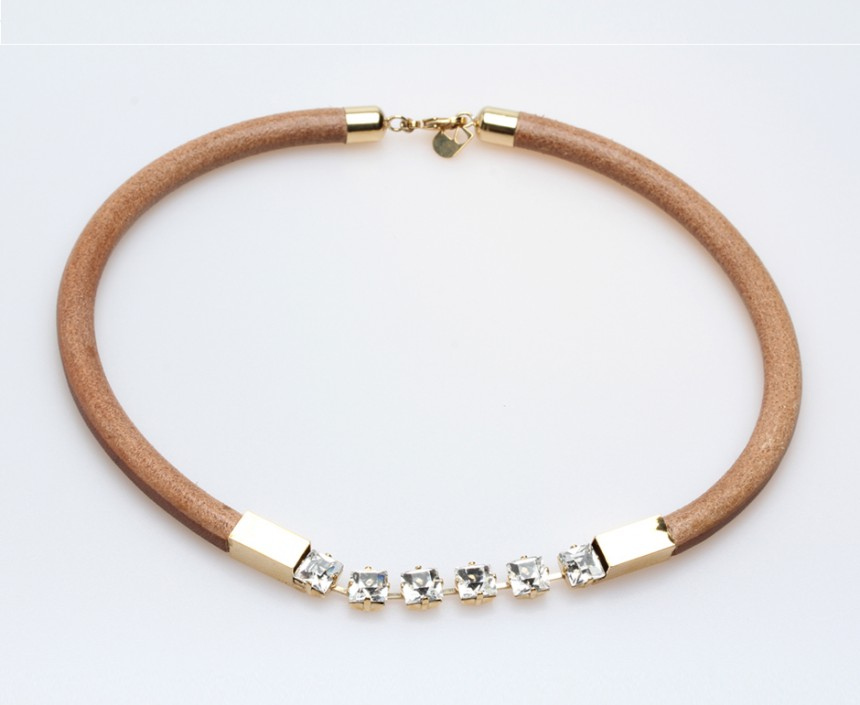 LEATHER NECKLACE SHORT