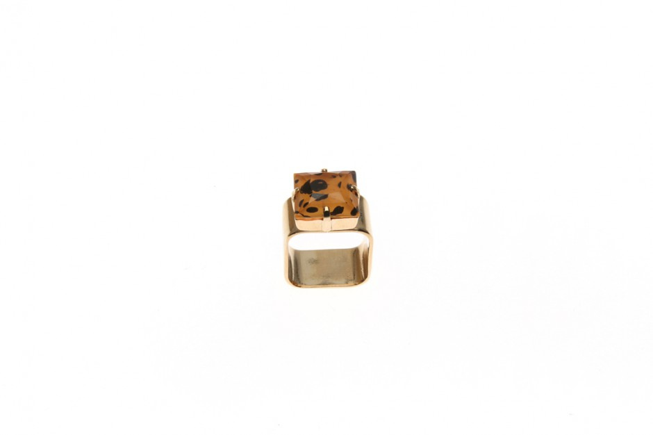 Wide ring with wild square