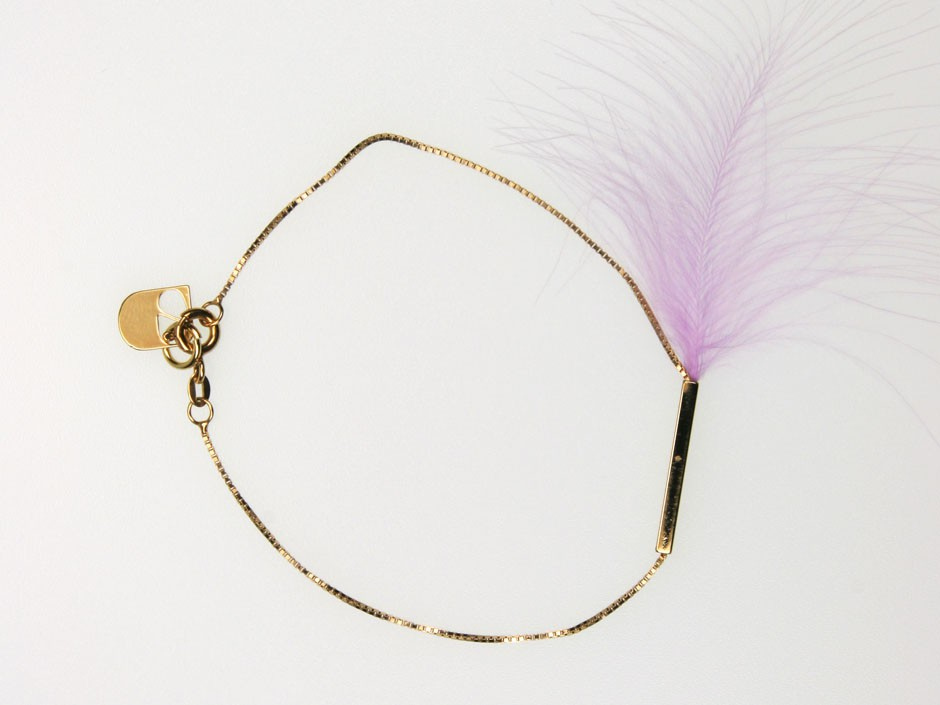 DELICATE FEATHER BRACELET