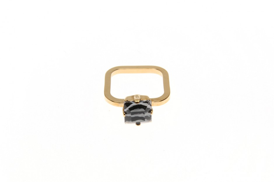 Fine ring with small wild square