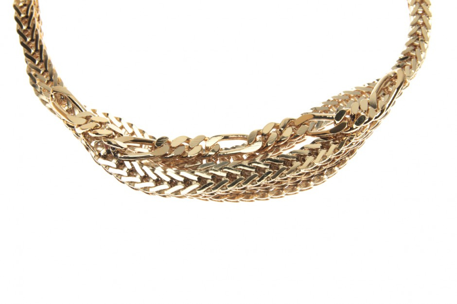 Necklace with chain mix