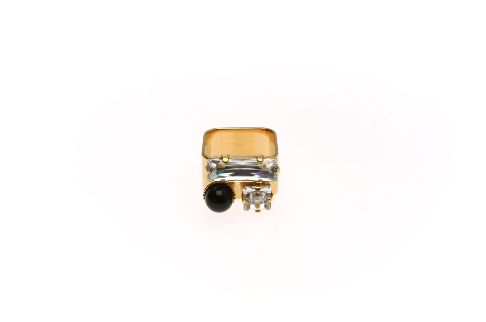 Wide ring with rectangles and pearl