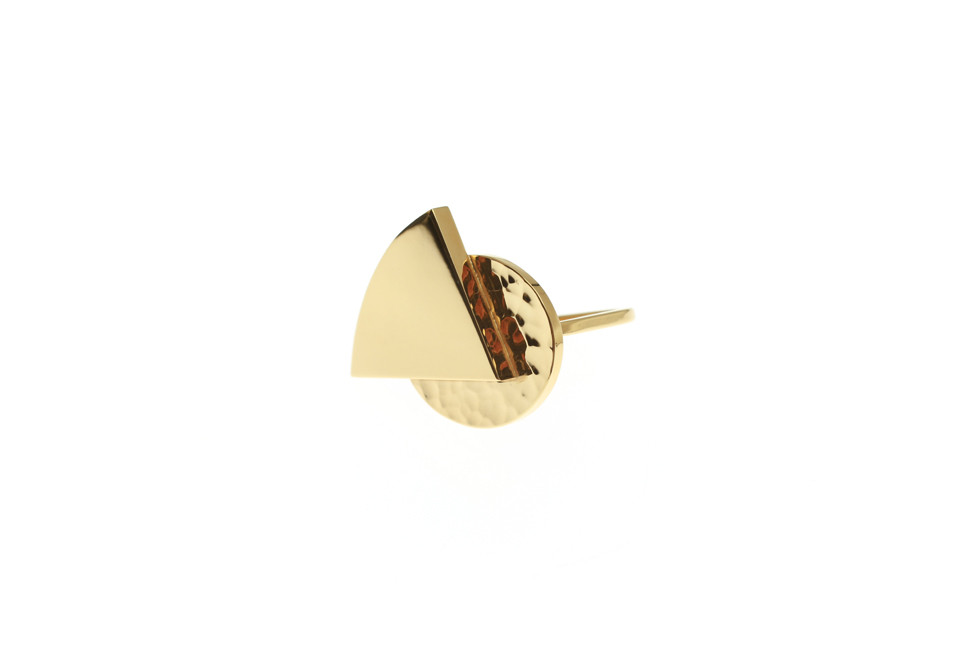 Ring with embellished hammered oval