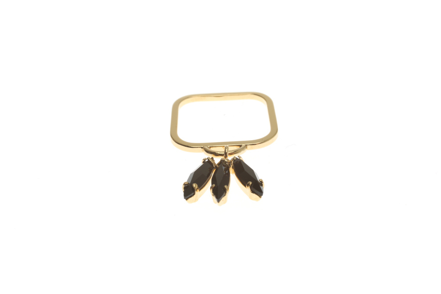 Superfine ring with fluttering feather