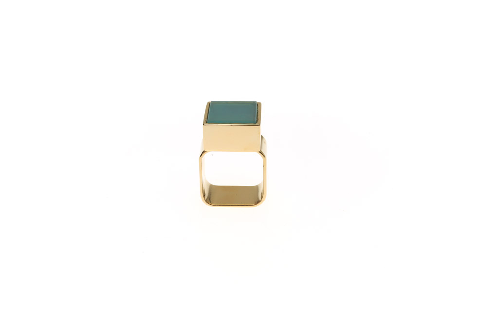 Wide ring with large gemstone carre