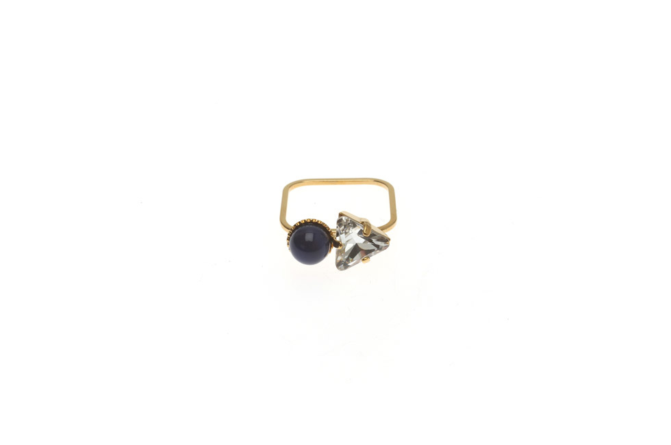 Superfine Ring With Pearl and Triangle